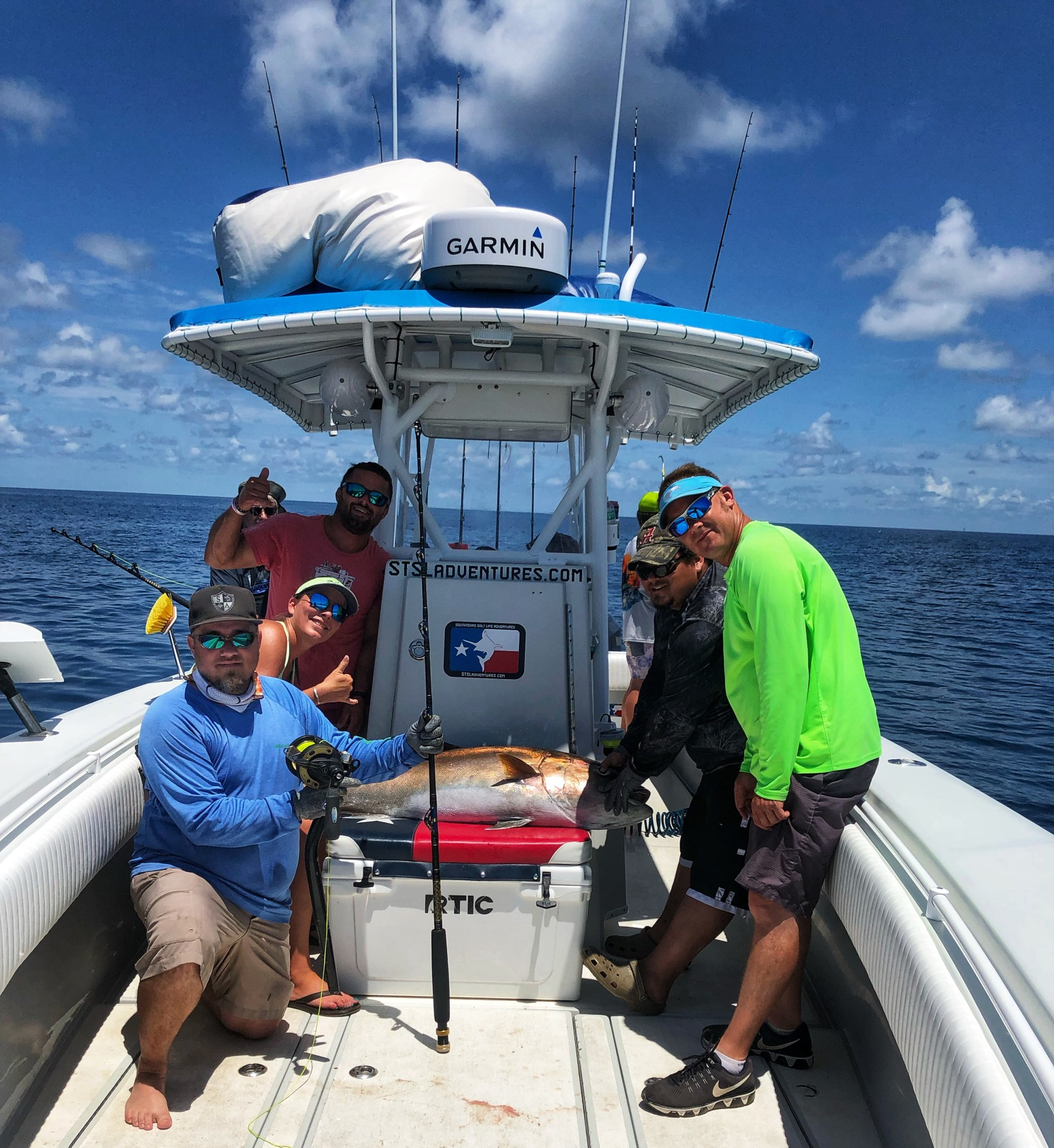 HAND-LINED-AMBERJACK-INTO-BOAT-2019