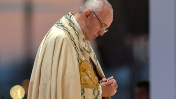 Pope urges Catholics to pray Rosary in May for end to Covid-19 pandemic