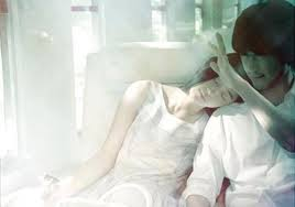 status buồn Xin lỗi vì đã yêu em khi anh còn chênh vênh, chẳng cho em được tương lai