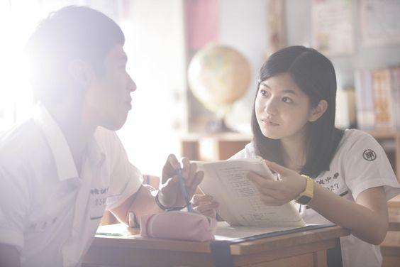 Những stt cảm động viết cho mối tình ngây thơ của tuổi học trò