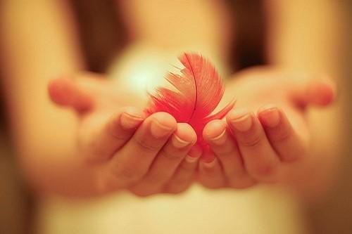 Stt tình yêu không đủ lớn, chia tay đau buồn rồi cũng sẽ đến thôi