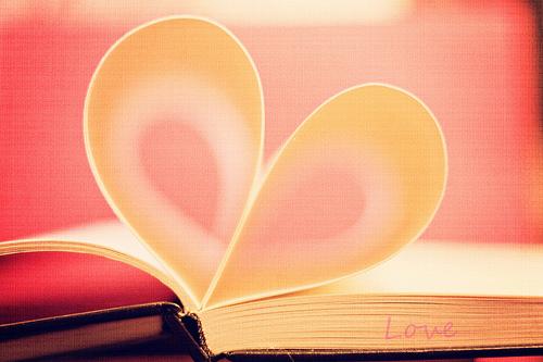 Status tình yêu Ai rồi cũng đi qua những yêu thương nồng cháy, dành trọn cho nhau những điều tốt đẹp.