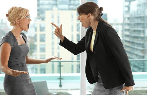Cách giải tỏa mâu thuẫn với đồng nghiệp để có được môi trường làm việc lành mạnh