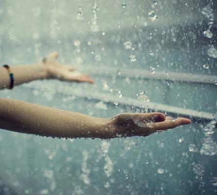 Những stt sâu lắng đầy ý nghĩa cho bạn ngày mưa