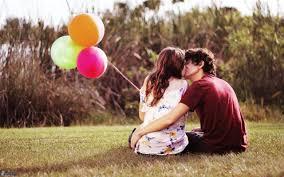 Status sâu sắc Người ta yêu nhau chẳng ai có thể chắc chắn sẽ được ở bên nhau đến cuối cùng