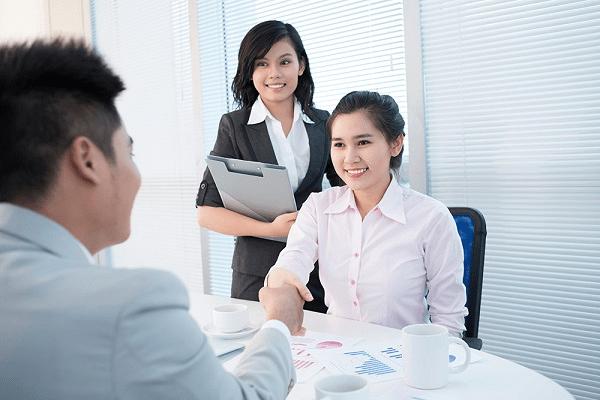Nguyên tắc ứng xử trong khi bán hàng giúp tăng thiện cảm cho khách
