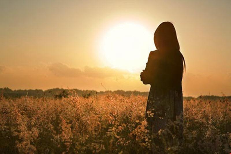 Stt tâm trạng đừng buồn khi không ai hiểu mình vì chẳng ai sinh ra để hiểu người khác