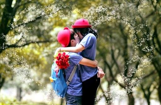 Status đau lòng Em đã yêu một người hơn cả bản thân mình...