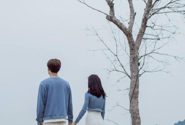 Stt Lắng nghe tiếng lòng - Em sợ một mai tình mình sẽ chìm vào dĩ vãng