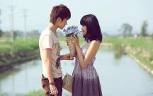 Những stt lắng đọng- Khi còn trẻ hãy yêu một người bằng cả trái tim
