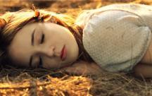 Những status yêu thương - Nhắm mắt lại, rồi con sẽ thấy một bầu trời bình yên