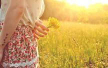 Stt thu đang đi qua với nhứng cảm xúc nuối tiếc và những ký ức ùa về