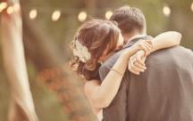 Status suy tư viết cho những đôi yêu nhau nhưng không đến được với nhau