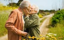 Tình yêu luôn bất diệt nó không có giới hạn về tuổi tác