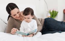 Bố mẹ dạy con tập đọc từ sớm là cách dạy rất thông minh