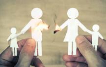 Bố mẹ ly hôn ảnh hưởng đến sự phát triển tâm lý của trẻ