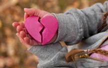 Tổng hợp những status đầy cảm xúc khi chia tay tình yêu