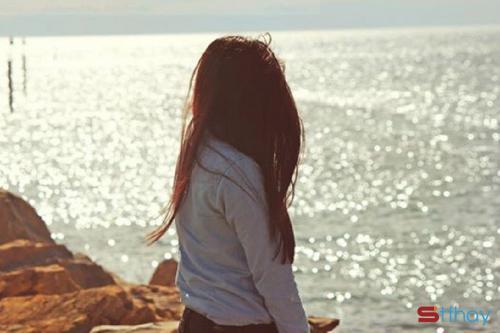 Những Stt đau lòng Em yêu anh còn anh yêu cô ấy, thế đấy