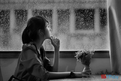 Status hay viết cho nỗi cô đơn của những cô gái đang loay hoay trong tuổi trẻ