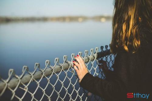 Stt về tình yêu thầm lặng đau thương nhất nhưng cũng mạnh mẽ nhất