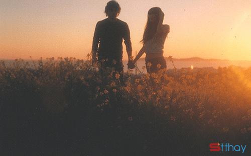 STT bởi thanh xuân ngắn ngủi nên cứ yêu đi, cháy hết mình vì tình yêu đi