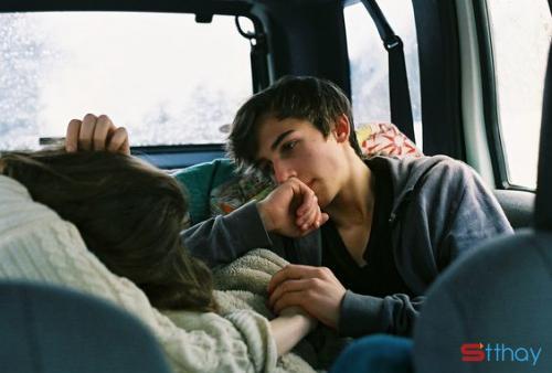 Stt tình yêu Rồi một ngày bạn sẽ gặp được người thương bạn như thế