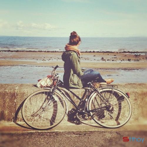 Status chênh vênh rồi ai cũng sẽ trải qua nỗi cô đơn trong đời