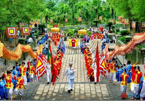 Nhớ về cội nguồn, nhớ ngày giỗ tổ Hùng Vương bằng những vần thơ ý nghĩa