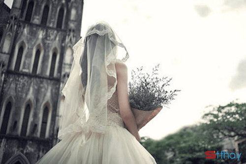 STT con gái à, chồng gần không lấy, đi lấy chồng xa là trăm nỗi tủi hờn