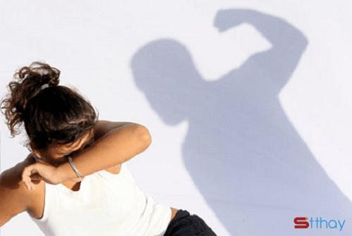 STT Đàn ông đánh vợ không chứng minh được mình mạnh mà thể hiện rõ mình hèn