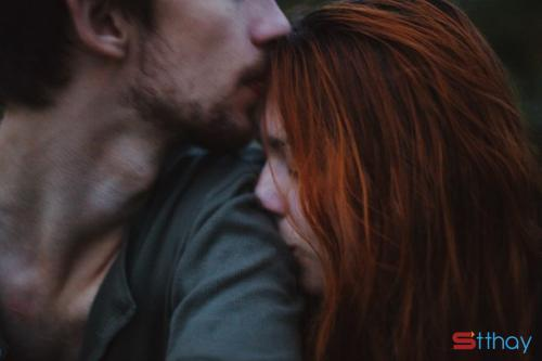 Status yêu thương Người đàn ông đã cũ mang cho em cảm giác an nhiên