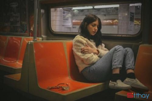 Status tâm trạng viết về câu chuyện của những người cô đơn