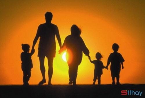 Tổng hợp những status đáng suy ngẫm dành cho con cái về cha mẹ