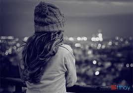 Status đau khổ viết cho tình yêu Không thể rời bỏ cũng không thể ngừng yêu thương