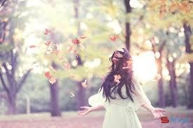 STT tháng 4 Anh yêu một cố gái tháng 4 hay cười với trái tim chỉ biết khóc
