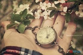 Những dòng status buồn có một yêu thương vẫn đợi anh ở đây........