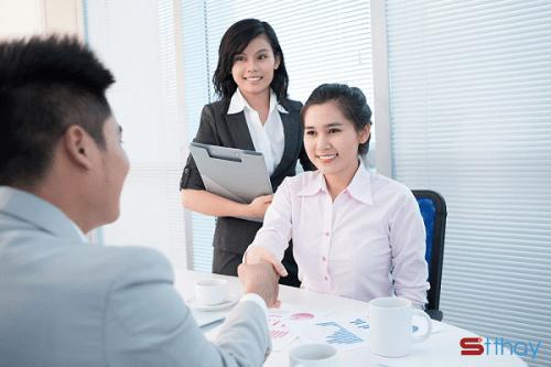 Hãy phục vụ khách thật tốt để họ không thể từ chối mua hàng