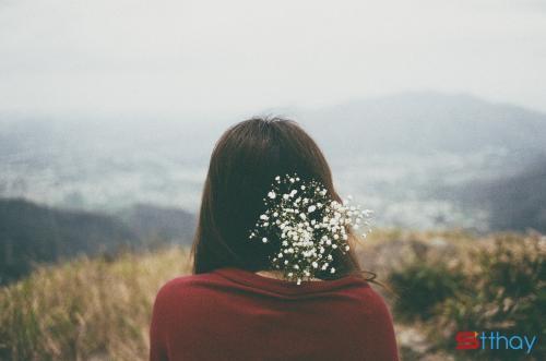 Đâu có ai bán cho bạn bảo hiểm về tương lai phải không? Đâu có ai bảo hiểm rằng người bạn đang yêu sẽ không thay đổi đúng không nào? Nếu chính bạn còn không biết cách yêu bản thân mình, thì đừng ngồi đó mà mơ ước viển vông rằng ai đó sẽ yêu bạn. Thế nên các cô gái à, cứ học cách sống biết nghĩ cho bản thân mình một chút đi!