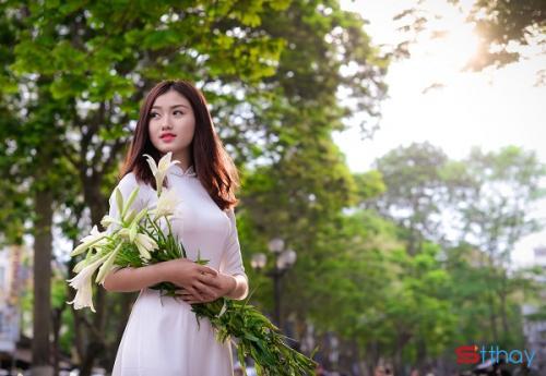 Stt cảm xúc gửi lời chào đến tháng 4, tháng của trời xanh nắng hồng và hoa loa kèn trắng tinh khôi