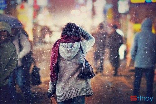 STT cô đơn khi năm nay tôi vẫn vậy, vẫn một mình lặng lẽ chống chọi với mùa đông