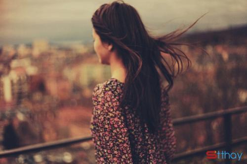 Stt buổi chiều buồn hoang hoải ta như lạc lõng giữa dòng người ồn ào tấp nập