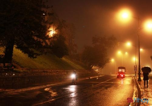 Stt đêm đông buồn khiến nỗi cô đơn như chìm vào không gian lạnh giá