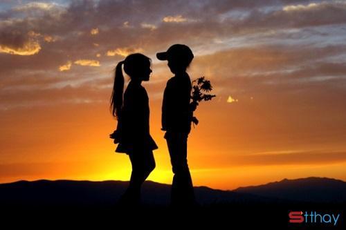 Những stt đầy cảm xúc và ý nghĩa dành cho mối tình đầu của bạn