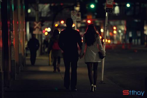 Status buồn chúng ta mất quá nhiều thời gian trong đời để nhớ về một người yêu cũ.
