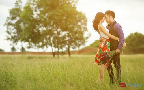 Status tản mạn về tình yêu Sau những năm tháng tuổi trẻ, tình yêu mang một màu sắc khác biệt