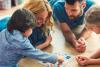 Giúp con rèn luyện trí nhớ bằng cách tổ chức chơi trò chơi