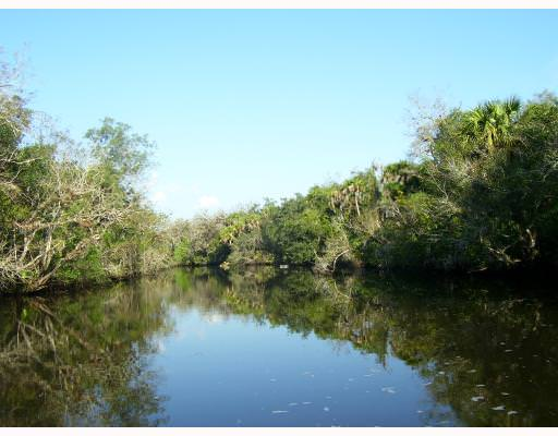 Waterfront land for Sale in White City, Florida