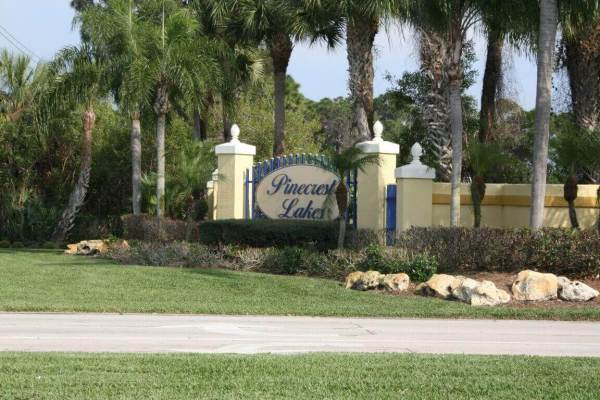 Pinecrest Lakes real estate in Jensen Beach
