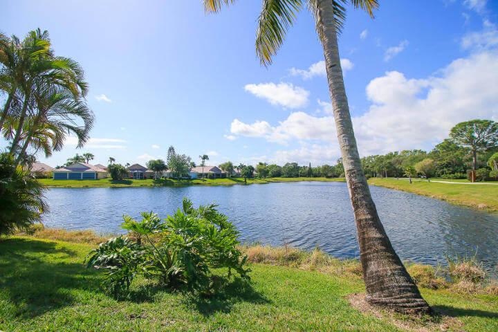 Lakeside Emerald Lakes Townhome in Stuart FL