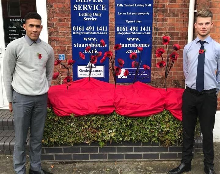 Lewis Hamilton and Jack Hayes Poppy display in Cheadle SK8 2017